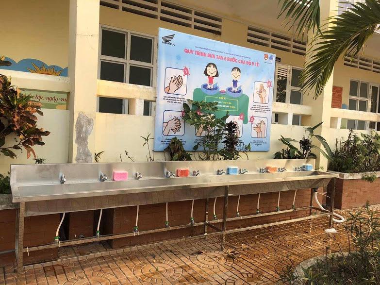 Bồn rửa tay cho Trường học